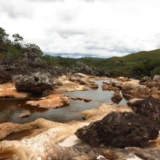 Le lit de la rivière durant la saison sèche