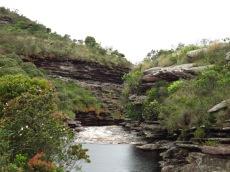 Rivière qui alimente la cascade