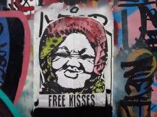 Bisous gratuits - San Telmo