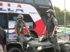 Policiers en quads