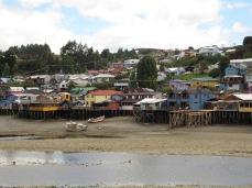 """Les """"palafitos"""", maisons sur pilotis, à Castro"""