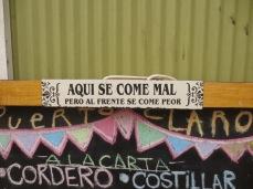 """""""Ici on mange mal mais en face c'est pire"""" Valparaiso"""