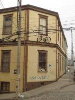 """Prenez la bicyclette!"" Street art - Valparaiso"