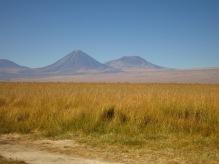 Volcan Licancabur qui culmine à 5916 mètres