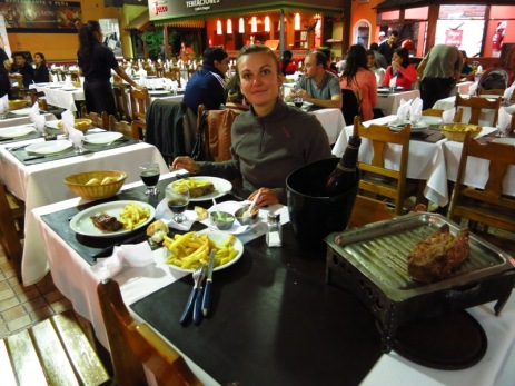 Dîner de carnivore à la peña Rastro à Salta
