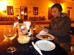 Soirée à Cachi, dégustation du Torrontes (vin blanc local)