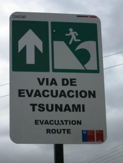 voie d'évacuation en cas de tsunami à Puerto Natales