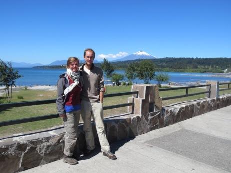 Caroline et Grégory devant le volcan Villarica