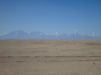 Eoliennes dans le désert d'Atacama