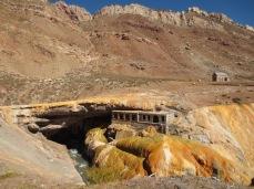 Puente del Inca au passage de frontière entre l'Argentine et le Chili