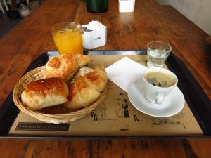 Petit déjeuner français chez Cocu à Buenos Aires