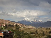 L'Illimani surplombe La Paz du haut de ses 6438 mètres