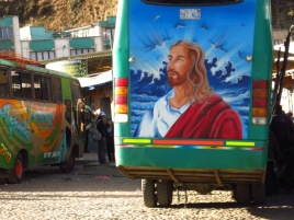 Jésus aussi est partout - ici à l'arrière d'un bus