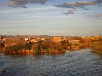 Iles flottantes Uros sur le Lac Titicaca