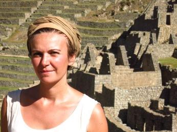 Caroline dans les ruines