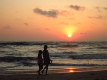 Coucher de soleil sur la plage de Canoa