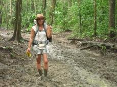"""""""On dirait que ça t'gênes de marcher dans la boue..."""""""