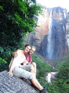 Caroline et Grégory devant le Salto Angel