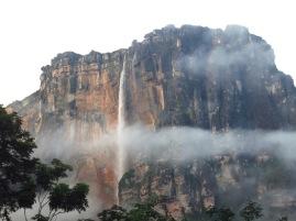 Le Salto Angel dans la brume du matin
