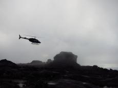 Hélicoptère qui se pose en haut du Roraima