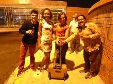 Nouvel an. L'une des traditions: faire le tour du pâté de maisons avec une valise pour s'attirer la prospérité