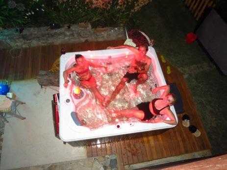 Jaccuzzi, verre de vin. La belle vie chez Raul et Cesarina à Colonia Tovar